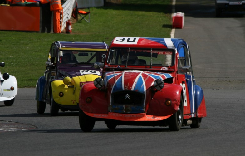 About the 2CV 24 hour race