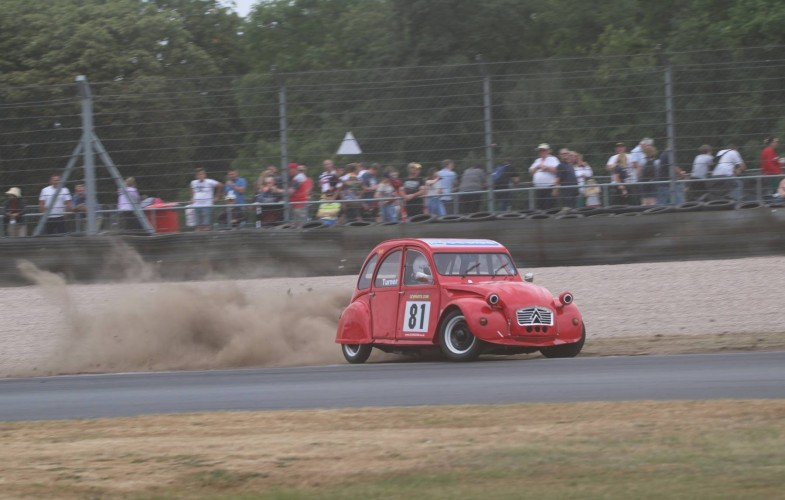 Sparrow & Clarke share the spoils at Donington, but the title is Sparrow's