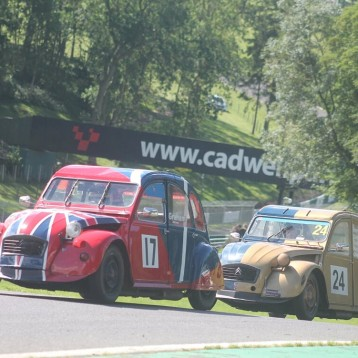 Graham & Proietti share victory spoils at Cadwell
